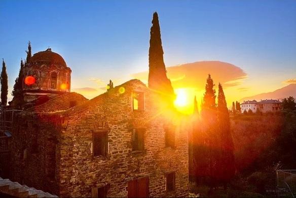 Η πνευματική χαρά του εκκλησιασμού, κατά τον άγιο Νικόδημο τον Αγιορείτη |  Το σπιτάκι της Μέλιας